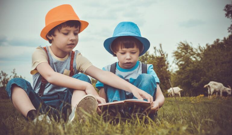 Astăzi este Ziua Internațională a Cărții pentru Copii. Iată ce citesc ei