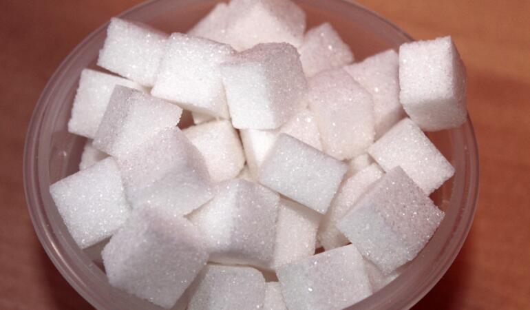 Zahărul se află în mai multe alimente decât am crede. Care sunt acestea