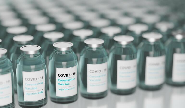 Elevii din Timiș se înscriu la vaccinare
