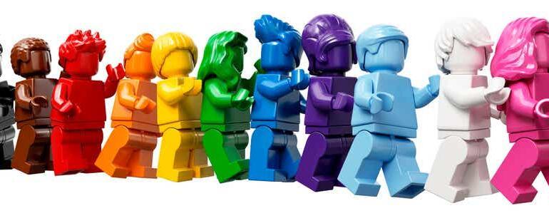 """""""Toată lumea este minunată"""", un nou set de jucării LEGO"""