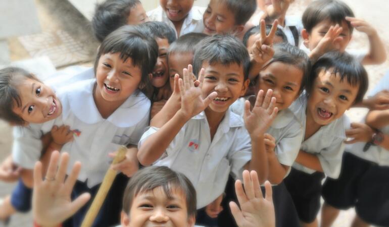 Aproape 90 mii de elevi din Timiș s-au întors, fizic, la școală
