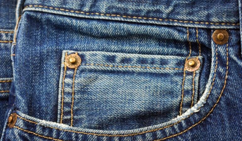 IN TREND: Povestea unor pantaloni iconici. Cum au apărut celebrii jeans Levi's 501