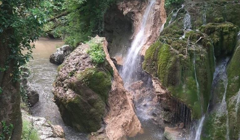 Cascada Bigăr s-a prăbușit. Cauzele nu sunt clare încă