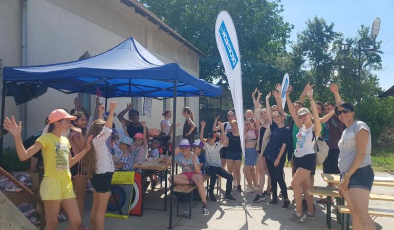 Echipamente sportive pentru elevii din Ilidia și Ciclova Montană