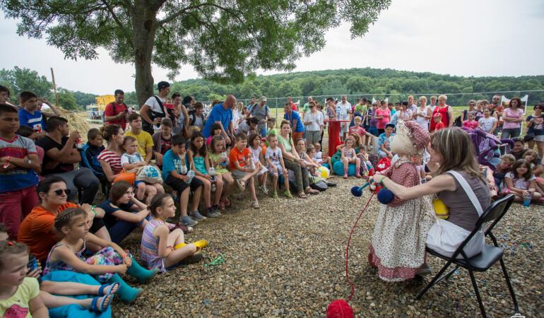 Teatrul Merlin din Timișoara mută spectacolele pentru copii la Muzeul Satului. Când se întâmplă asta