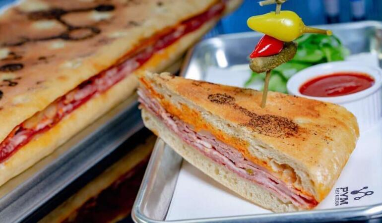 Unul din cele mai scumpe sandvișuri din lume se vinde la Disneyland