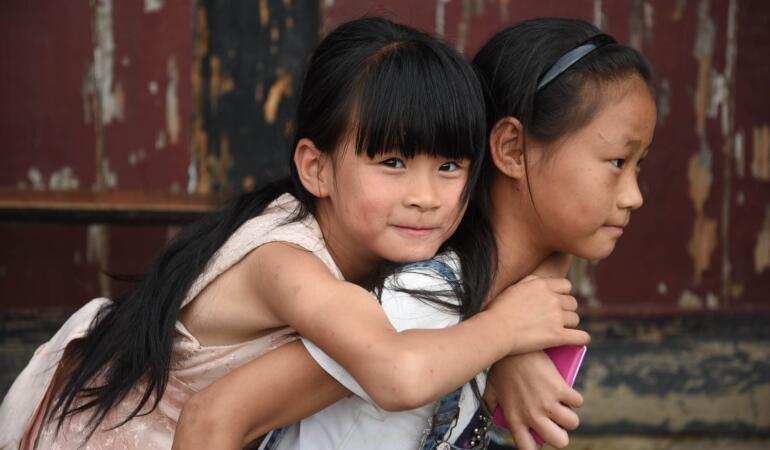 Bucurie pentru părinții din China. Pot face mai mulți copii