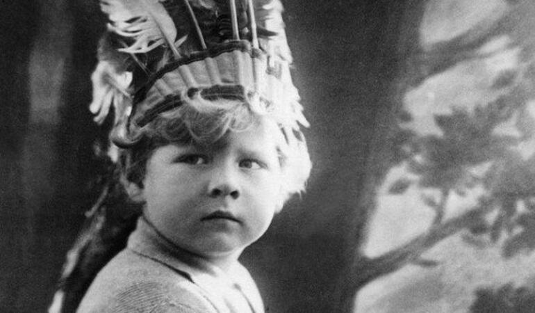 Astăzi este aniversarea încoronării Regelui Mihai, cel mai tânăr rege român