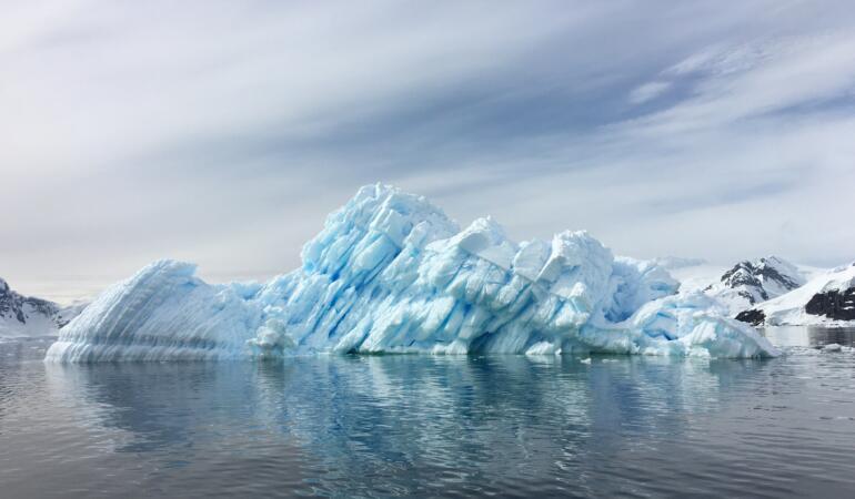 Un lac din Antarctica a dispărut. Explicația specialiștilor