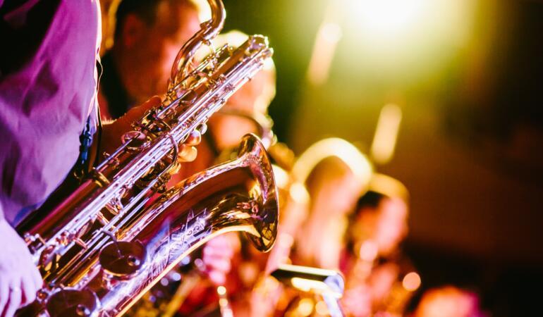 """Premianții concursului """"YOUTH OF MUZIC 2021"""" cântă la Palatul Suțu"""