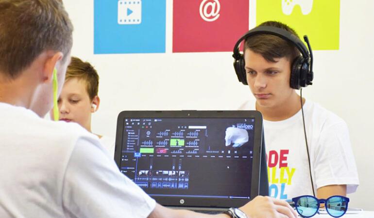 Ziua mondială a competențelor tinerilor. Cu ce probleme se confruntă tinerii din întreaga lume