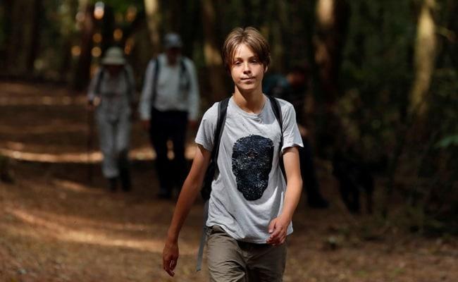Jude Walker, băiatul de 11 ani care merge pe jos sute de kilometri pentru a stopa emisiile de carbon