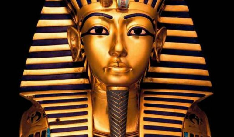 Tutankhamon, tânărul faraon în pas cu moda. Garderoba lui a fost refăcută