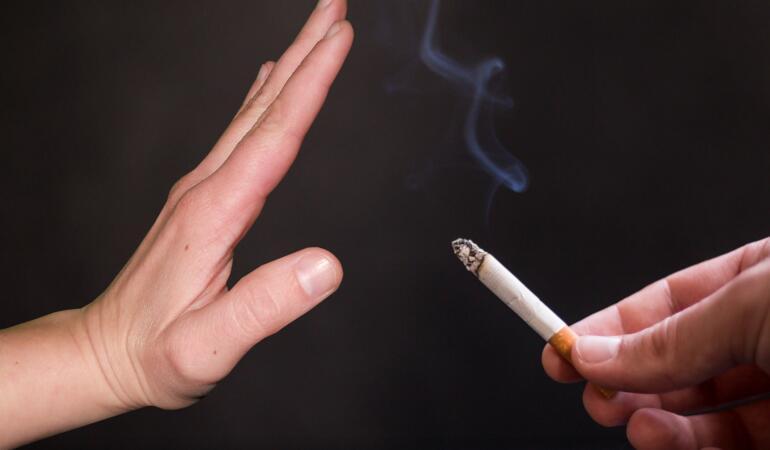 Cum le explicăm copiilor că nu trebuie să fumeze