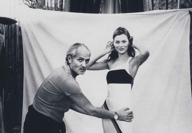 PRIN LUMEA MODEI. Gianni Versace, celebrul designer de modă italian