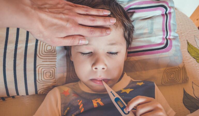 Cum ne ferim de răceală. Alimentele care țin departe răceala și gripa