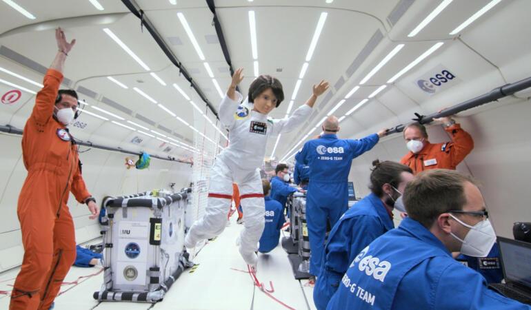 Săptămâna Mondială a Spațiului. Cum sărbătorește păpușa Barbie acest eveniment