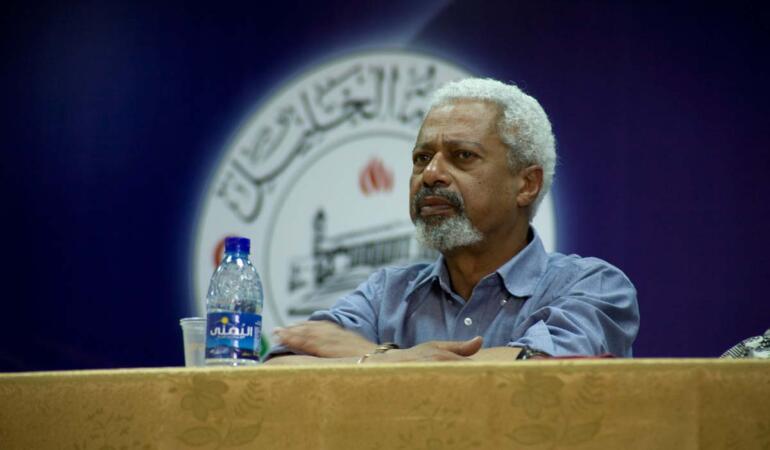 Cine este câștigătorul Premiului Nobel pentru Literatură. Povestea sa este impresionantă