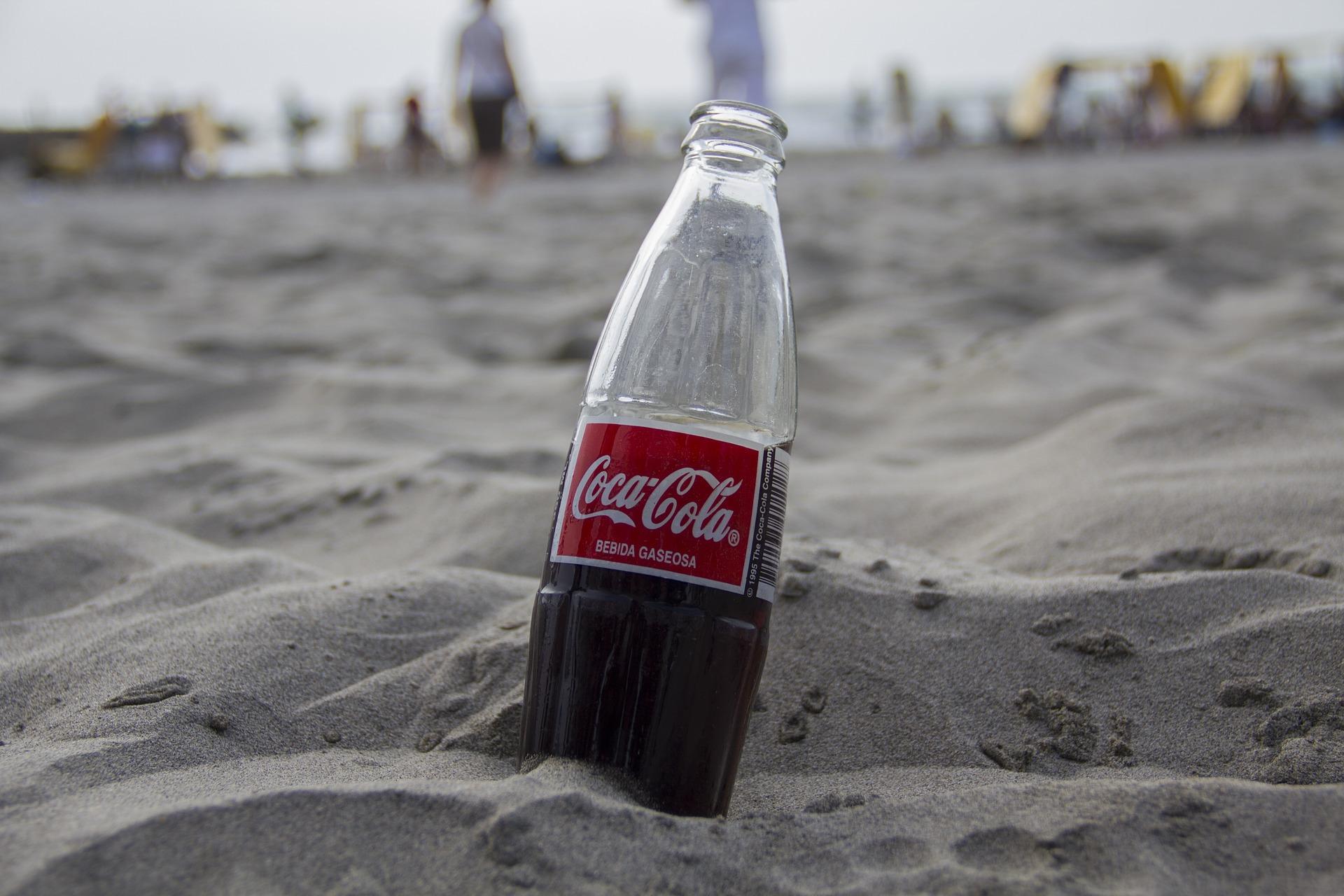 Coca-Cola este cel mai mare poluator. Studiul rușinii făcut de Greenpeace