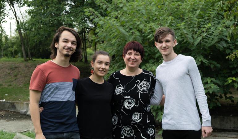 Cine sunt elevii care reprezintă România în finala europeană a EU Code Week 2021